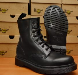 1460 Mono Black Smooth Boot
