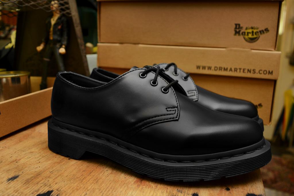 1461 Mono Black Smooth Shoe