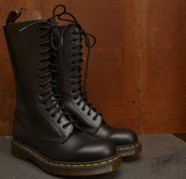 1914 Black Smooth 14 Eyelet Boot