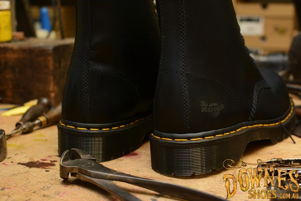 7B10 7 Eye Steel Toe Black Safety Boot